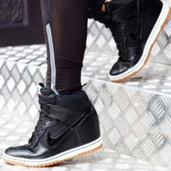 aa06348b99fe Nike Dunk Sky Hi Wedge Sneaker Limited Edition - 9.  M 5acf894f6bf5a6bee3889e3e
